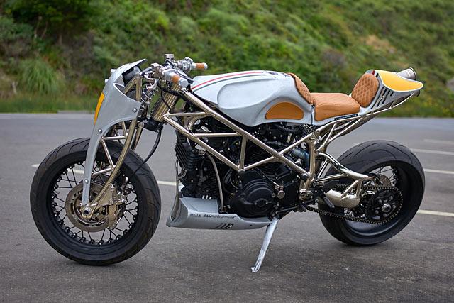 18_06_2018_Al_Borroni_Ducati_999_cafe_racer_custom_pipeburn_03.jpg